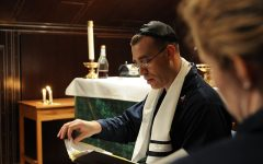 Students Experience Jewish Service During Passover