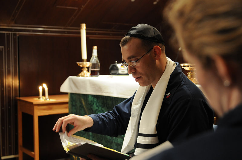 Students+Experience+Jewish+Service+During+Passover