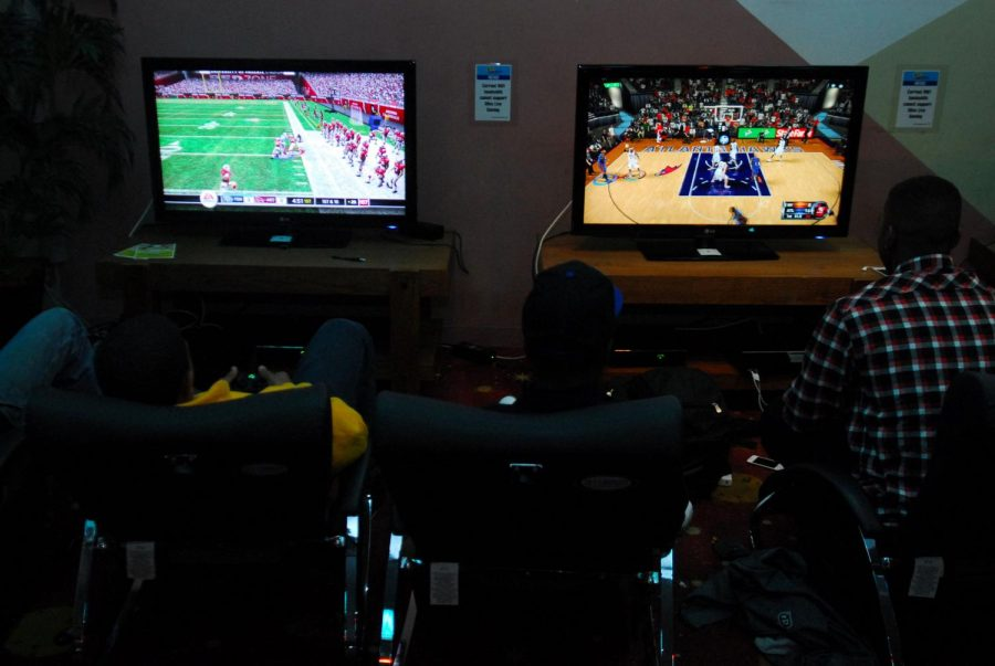 Video+games+are+a+popular+way+to+spend+the+time+indoors.
