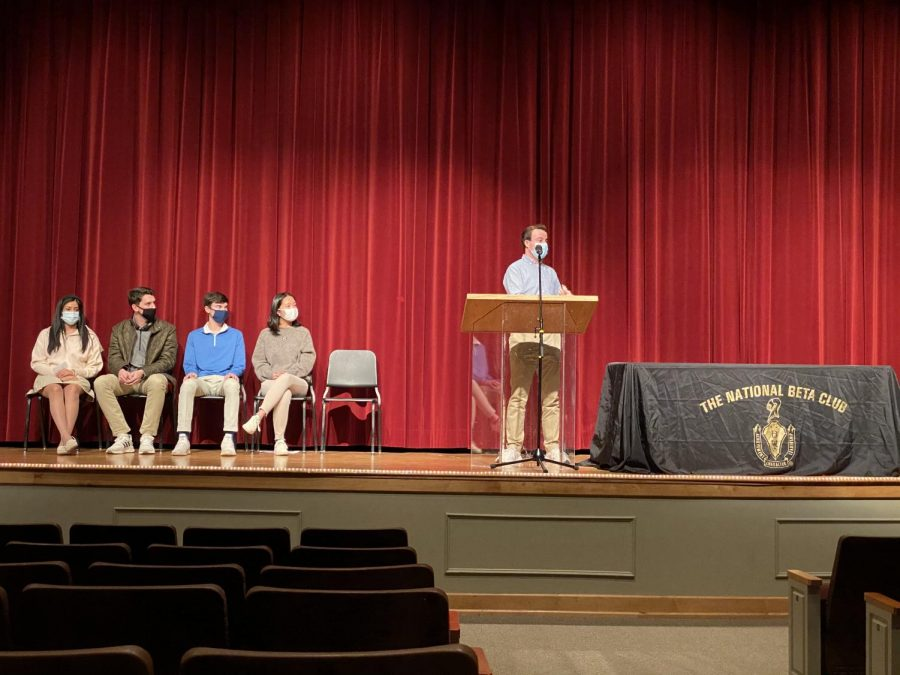 Former Beta Club member and current substitute teacher, Zach Barnhart, speaks to new freshmen inductees about making the most of their Beta Club membership.